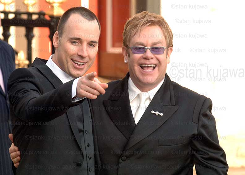 21/12/05. ELTON JOHN and DAVID FURNISH Civil Partnership at Windsor Guildhall, Berks, UK. Just married. ©Stan Kujawa.  07815 152006   stan.pix@virgin.net  All rights reserved. Image may not be reproduced without express written permission of photographer.