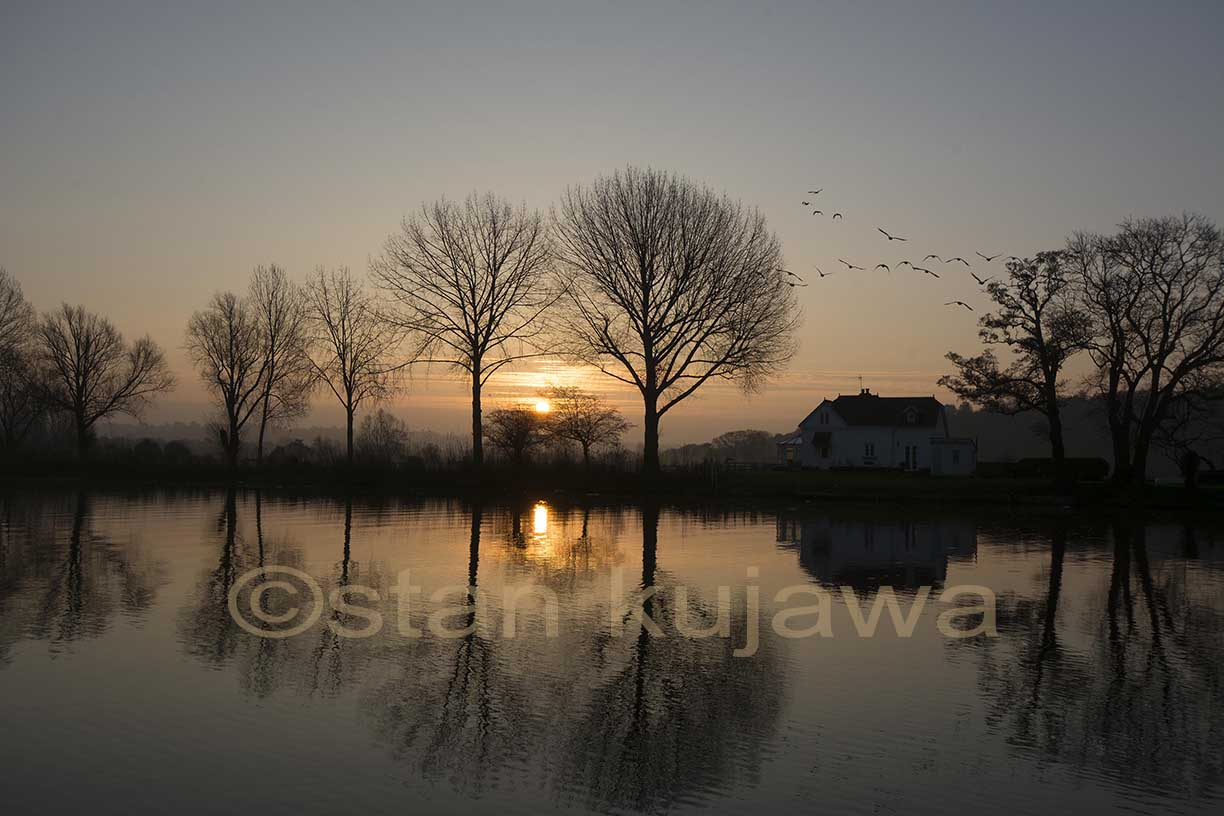 River Thames Sunrise at Bourne End, Buckinghamshire. 5/12/2014.   Photo ©Stan Kujawa Image ©Stan Kujawa. May not be used without the express written permission of the author